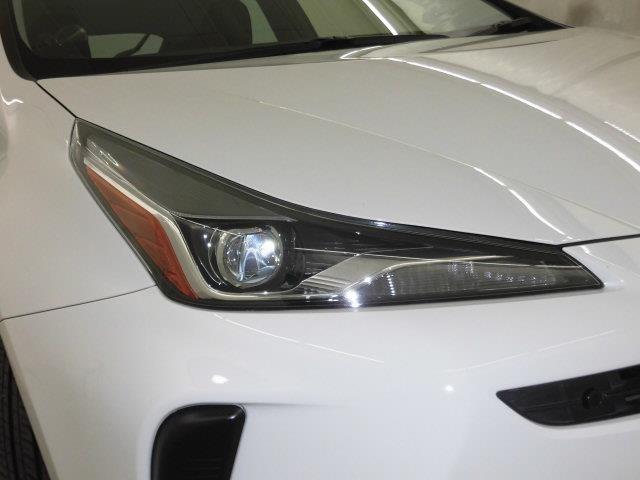 ヘッドライトは消費電力の少ないLED。夜の暗い道でも明るく照らしてくれるので、運転しやすいですよ!