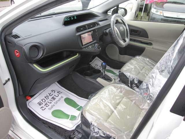 当店は車両販売だけではなく内外装のクリーニングや車検整備も行っております。お困りの際は、是非ご連絡ください。