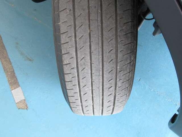 右前タイヤ残量