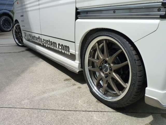 WORKエクイップ40は1本47520円の高級ホイールです!メイドインジャパンのクオリティですので品質もご安心下さい!タイヤは高品質のタイヤをセッティング致します!