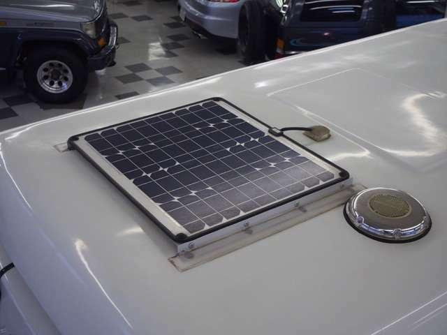 ソーラーパネルも搭載されています☆
