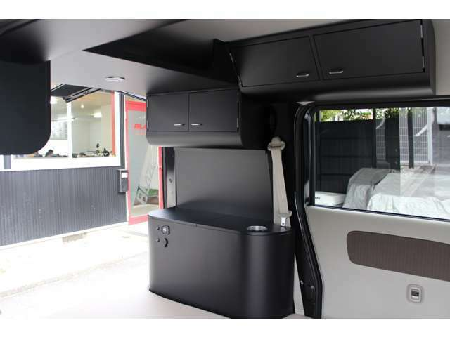 JOIN専用フルファブリックブラック(撥水加工)シート・ブラックドアトリム・荷室LEDランプ装備!ターボ・4WD車・新型モデル・ブレーキサポート・安全装置付き!