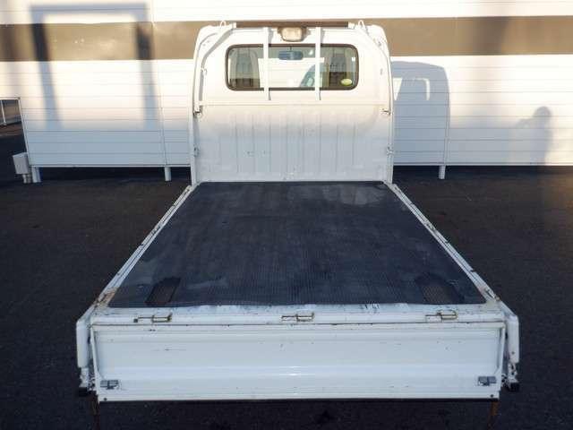 最新設備の整備工場完備しております。車両本体価格に法定点検・整備費用は含まれます。