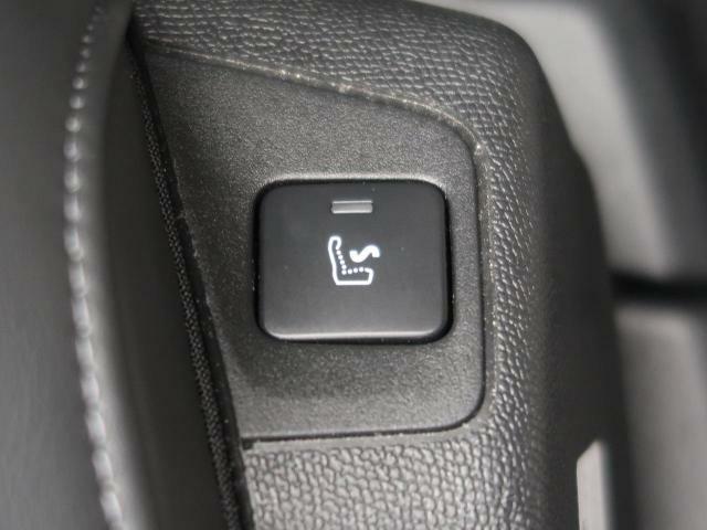 ●前席マッサージ機能付パワーシート:メモリー付きのパワーシートがございます!登録するとボタン一つでシートが移動します!マッサージ機能も搭載の高級感のあるシートです!
