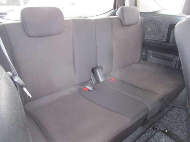 サードシートも充分な広さを確保。