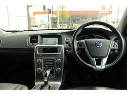 操作性にたけたボタン配置とデザインが、ドライバーを運転に集中させてくれます。