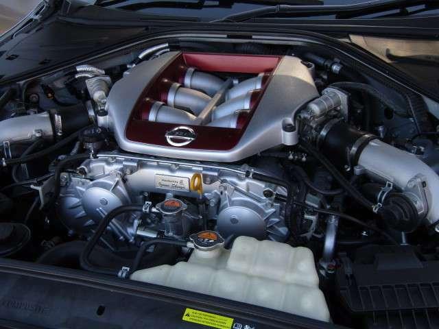 もちろん、エンジンやミッション機関は良好車です!メンテナンスも◎(二重まる)!入庫時にチェック済み。保証の延長も可能ですので、いつまでも安心してお車に乗れますよ。