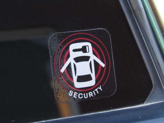 純正セキュリティー付き!大切なお車をしっかりガードしてくれます!