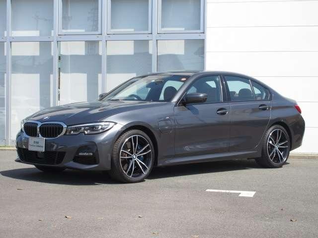 BMW330eMsport入荷致しました。