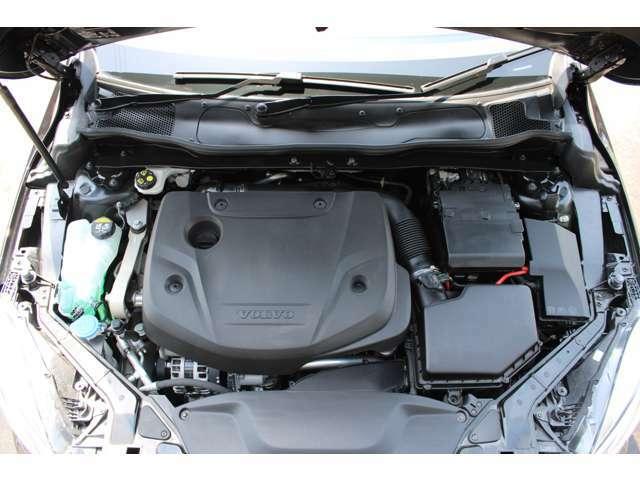 2,000cc4気筒直噴ディーゼルターボエンジンにアイシン製8速オートマチックトランスミッションを搭載。