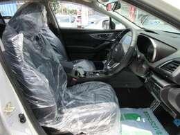 専用インテリア&専用ハーフレザーシート付♪ 新車時のシートカバーも装着されております♪