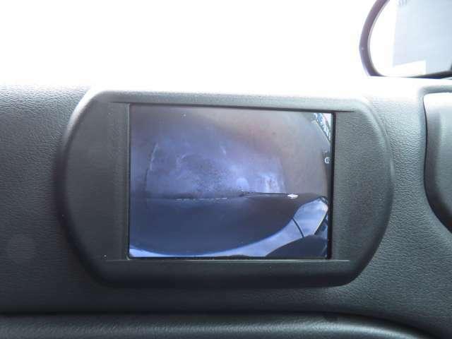 助手席側の死角を把握できるサイドカメラ!