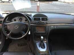明るい内装で、気分もウキウキ。ドライバーにとっては、外観よりも、いつも目にする内装が重要。