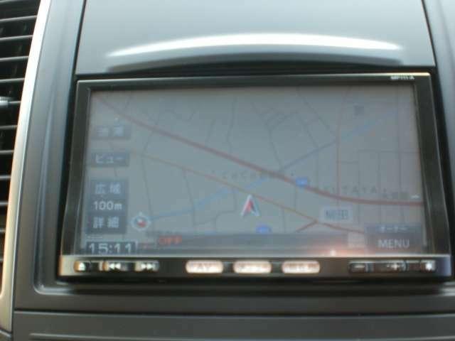 カーナビが付いています。Bluetooth接続も出来ますので、スマートフォンに入っている音楽をお車に流すことも出来ますよ。
