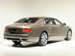 ボディサイズは、全長5315×全幅1985×全高1490(mm)。車両重量は2570kgになります。