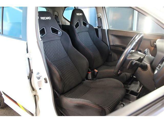 運転席も使用感が少ないので、おススメです!!無料お電話でのお問い合わせは0078-6002-660158になります!(蘇我インター店)