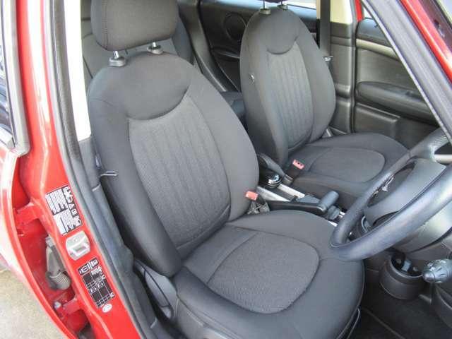 運転席シート エアバックも付いていますので安心ですね。