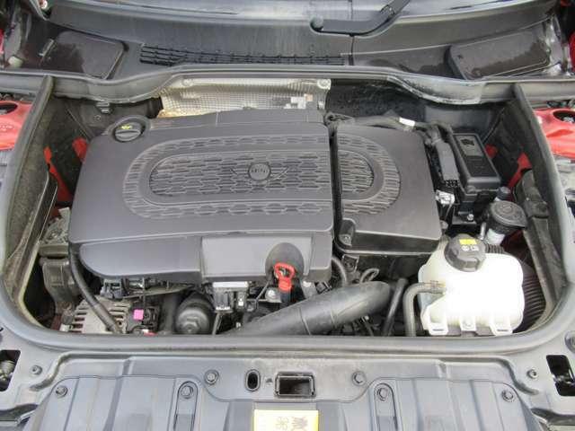 直列4気筒DOHC16バルブターボ(ディーゼル) 2000cc 出力:112ps(82kW)/4000rpm トルク:27.5kg・m(270N・m)/1500-2500rpm(カタログ値)