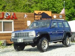 ジープ チェロキー スポーツ 4WD 限定製造ベージュ内装車リフトアップ