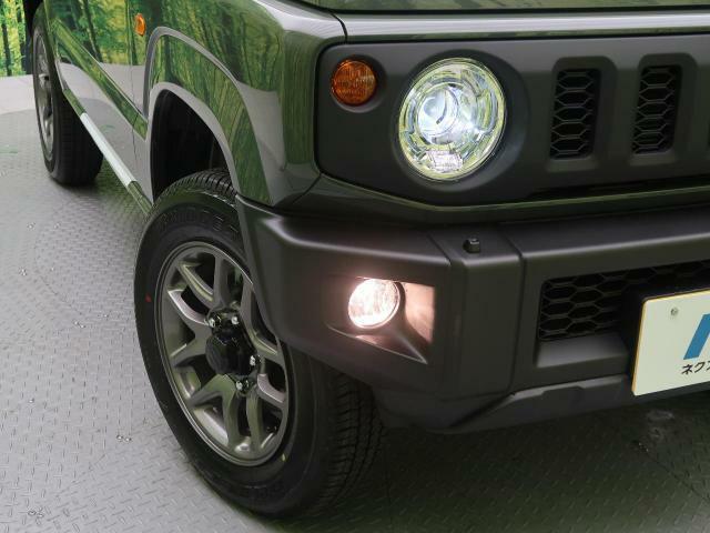 【LEDヘッドライト】!LEDならではのデザイン性の高いライトデザインはスタイリッシュな外観にぴったりです☆明るさもばっちりなので夜間の走行も安心ですよ☆