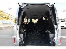 福祉装備や車両についての詳細は当社ホームページにて掲載しております。是非、当社ホームページへお越し下さい。福祉車両専門店ホームページ。http://sakaide-j.com/