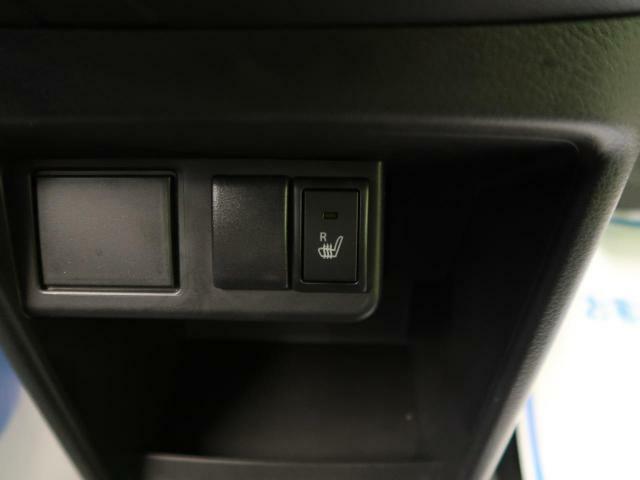 ボタン一つで座面を暖めてくれる【シートヒーター】☆長時間の運転も腰の疲れを軽減してくれます♪冬場にも嬉しい装備ですね!