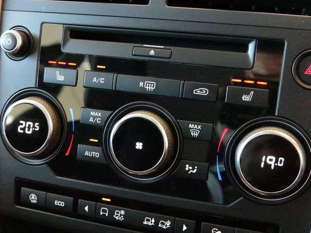 ヒーター付フロントシート(63,000円)「シートヒーターを搭載。3段階で温度調節ができ、季節によっては欲しい機能の一つです。エアコンよりも早く温まるので便利です。」