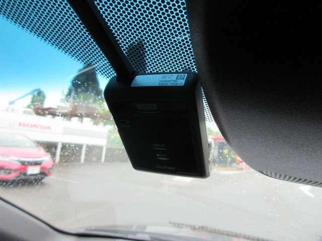 純正ドライブレコーダー装着です