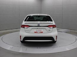 駐車場など低速時に壁や車両を検知し、衝突被害の軽減に寄与するインテリジェントクリアランスソナー「パーキングサポートブレーキ(静止物)」が採用されています。