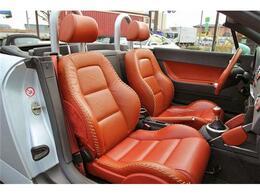 助手席シートもキレイなな状態を保っております。