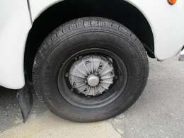 タイヤ交換して有ります