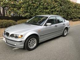 BMW 3シリーズ 318i