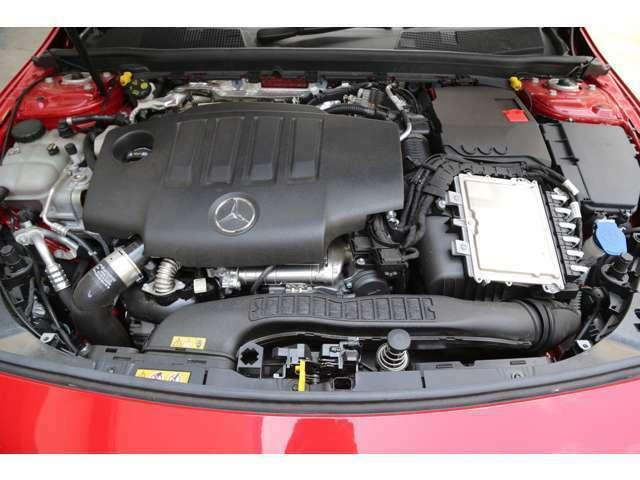 初年度登録から5年未満の車両については、2年間の走行距離無制限保証(メーカー保証)を付帯して販売致しますので、ご納車の後も安心が続きます。全国のメルセデス・ベンツ正規工場でしたらどこでも保証修理OKです!
