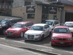 選りすぐりの車両を展示いたしております。遠方のお客様も安心してご検討いただけるようお手伝いさせていただきます。