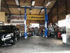 少ない台数の在庫を大切に保管している当店のガレージです♪