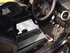 国産・輸入車全般に対応するテスターも完備しております。