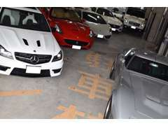創業13年。営業がバイヤーを兼任する事で確かな車選びをご提案致します。