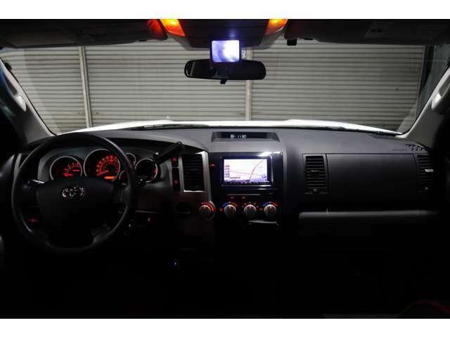 ☆自社では車検対応のフロント サイドカメラの取付も行っております!!ご納車前もしっかりと取付も行いますので安心して乗って頂けます☆