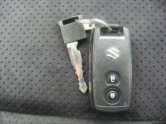 スマートキー!!ポケット、鞄からキーを出さなくてもドアを開閉出来ますよ