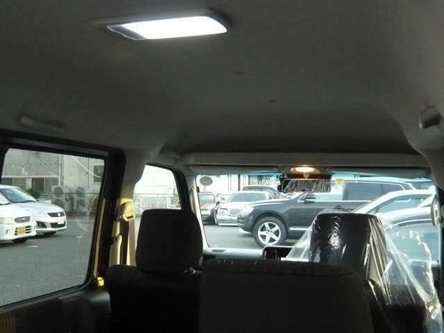 荷室LEDランプ