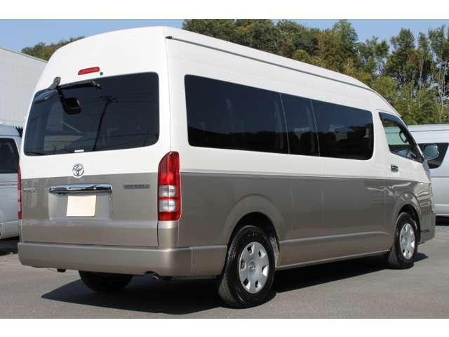 長さ:538cm/幅:188cm/高さ:228cm/車両重量:2030kg/車両総重量:2580kg/燃料タンク:70リットル/カラーナンバー:2JZ