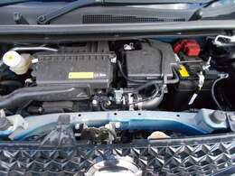 ご納車の前にサービス工場で法定12ヶ月点検と同時に新車保証継承をいたします。エンジンオイル・ワイパーゴムを交換いたします。