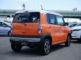 ボディカラーは『パッションオレンジ2トーン』横滑り防止装置や衝突被害軽減ブレーキも装備しています。