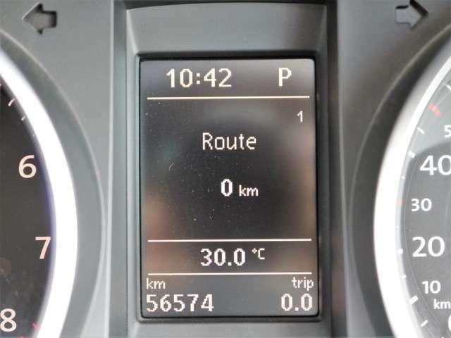 距離もまだまだ5.7万キロ!タイミングチェーン式のエンジンなので交換不要です★