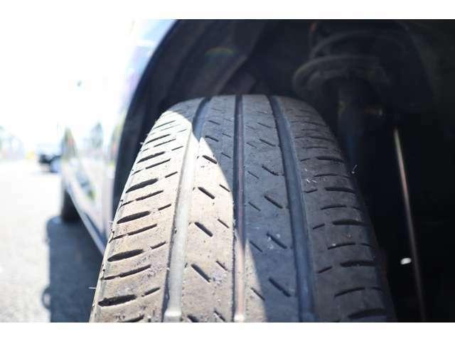 タイヤの溝もまだ結構あります