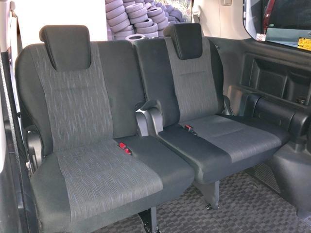 3列シート7人乗り☆1オーナー&禁煙車できれいな車内です♪