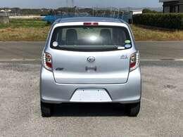 燃費が良くとても運転しやすいですよ。通勤にも活躍します(^^♪