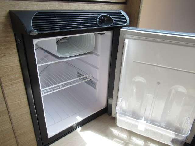 キャンピングカーには欠かせないDC冷蔵庫!!