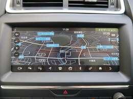 ◆タッチスクリーンのナビゲーションも優れた操作性と機能性を誇っております。Bluetooth等の多彩なメディアに対応し、専用のサウンドシステムも装備しております◆