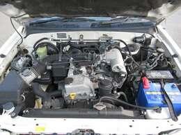 2700ccのガソリンエンジン!専門店ならではの経験と知識でしっかりと整備させていただきます!!